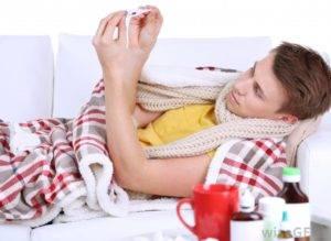 При недостаточном внимании первых признаков заболевания симптомы могут обернуться в лихорадочное состояние, возрастание температуры и сильным ознобом