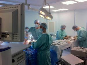 Трансуретральная резекция предстательной железы осуществляется с помощью резектоскопа.