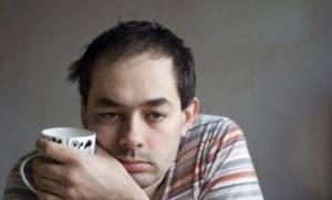 При туберкулезном уретрите человек ощущает постоянную слабость и утомляемость