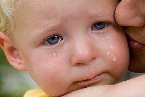 Почему у ребенка болит яичко